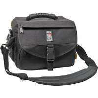 PRO MESSENGER-STYLE CAMERA BAG (SMALL)