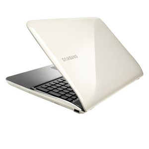 "Samsung SF510-A01 15.6"" White Notebook"